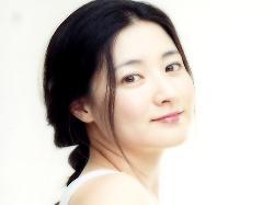 Bí quyết làm trắng da toàn thân hiệu quả tại nhà của sao Hàn