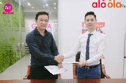 Lễ ký kết hợp đồng Aloola.vn là nhà phân phối độc quyền mỹ phẩm Gluta white