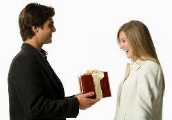 Tư vấn chọn mua quà tết tặng sếp nữ ý nghĩa và sang trọng
