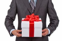 Kinh nghiệm chọn quà tặng cho sếp nam dịp Tết đầy ý nghĩa