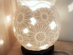 Đèn xông tinh dầu Silent Night bằng gốm sứ - Đèn gốm tròn
