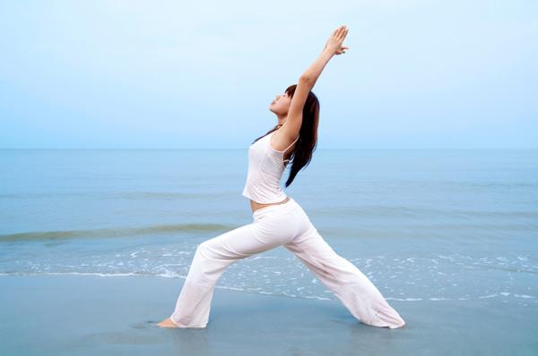 Bài tập Yoga giúp tăng cân nhanh và hiệu quả 6 : Tư thế chiến binh